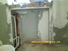 Ниша в кирпичной стене