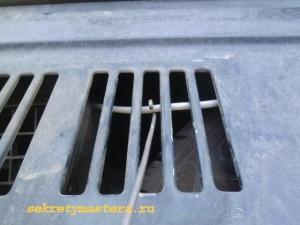 Как открыть капот НИВЫ если порвался тросик